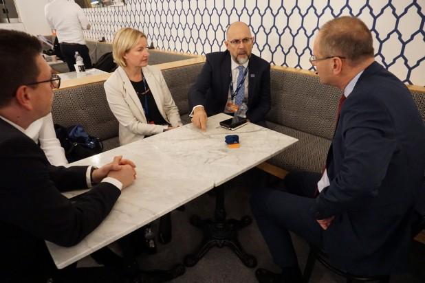 Comisar european: Un grup de experți europeni ar putea evalua provocările educației în limba maternă din UE